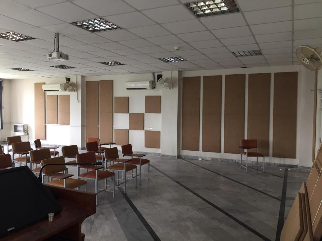 Hybrid class room with video conferencing system