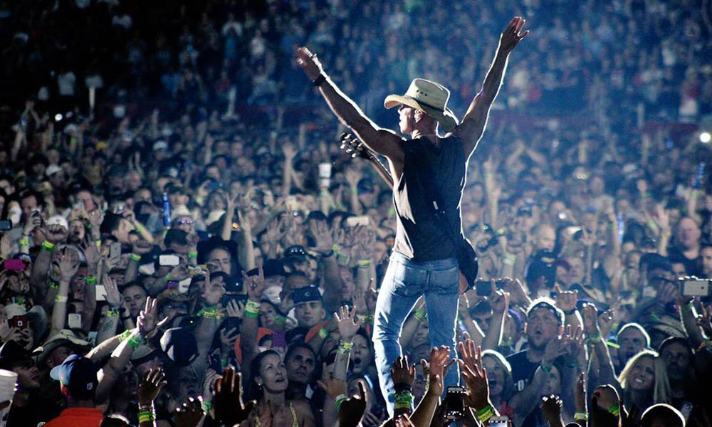 20-top-selling-country-stars_kenny-chesney
