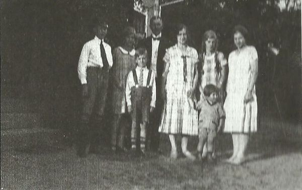 Familjen Ragnar Rydeman i Näshult 1926