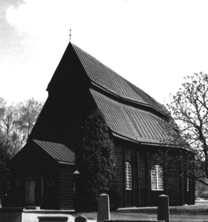Frödinge kyrka från sydväst. Foto: Anna Rydeman