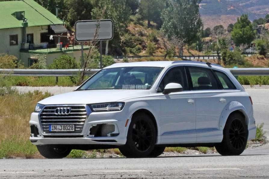 Audi Q8 Spy Shot front
