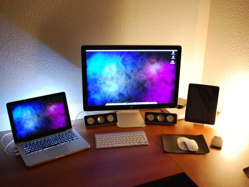 Apple MacBook Air, Pro and iMac