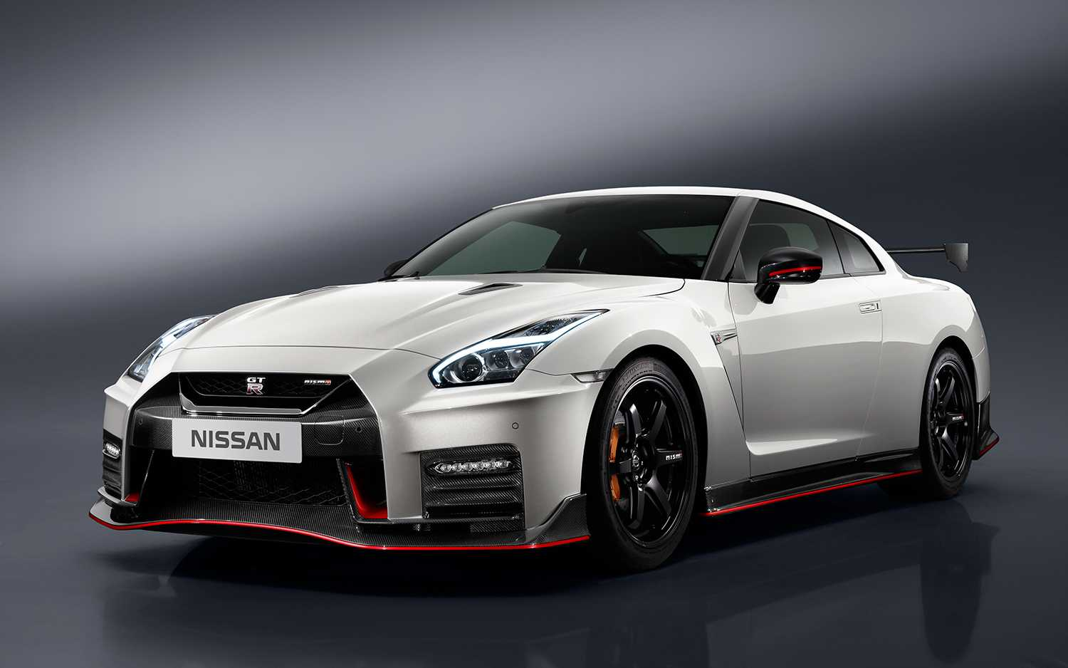 2017 Nissan Gt R Nismo Pricing Surges To 176 585
