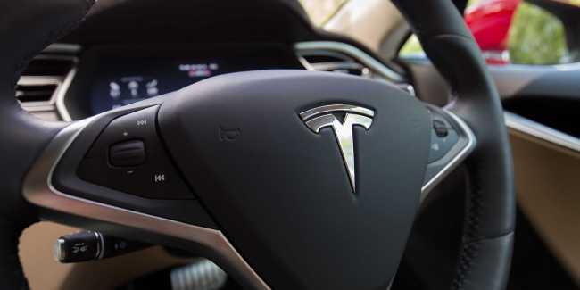 Tesla AutoPilot 2.0 New Features