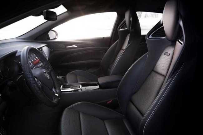 Vauxhall Insignia GSi sporty car