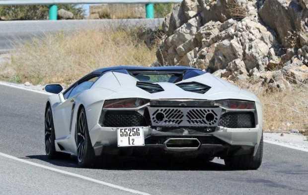 Lamborghini Aventador Performante rear