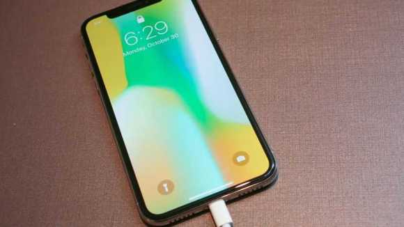 Apple's Largest iPhone Yet Sports 6.5-inch Display and Will Have a Gold Colored Variant