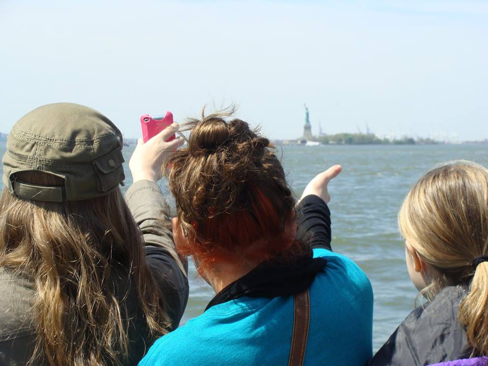 statue-of-liberty-touring-choir