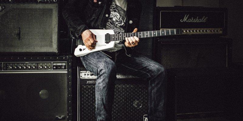 guitarist practicing