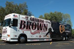 T.-Graham-Brown-tour-bus-wrap-Dec15