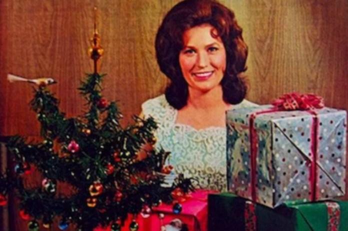 Loretta Lynn Country Christmas