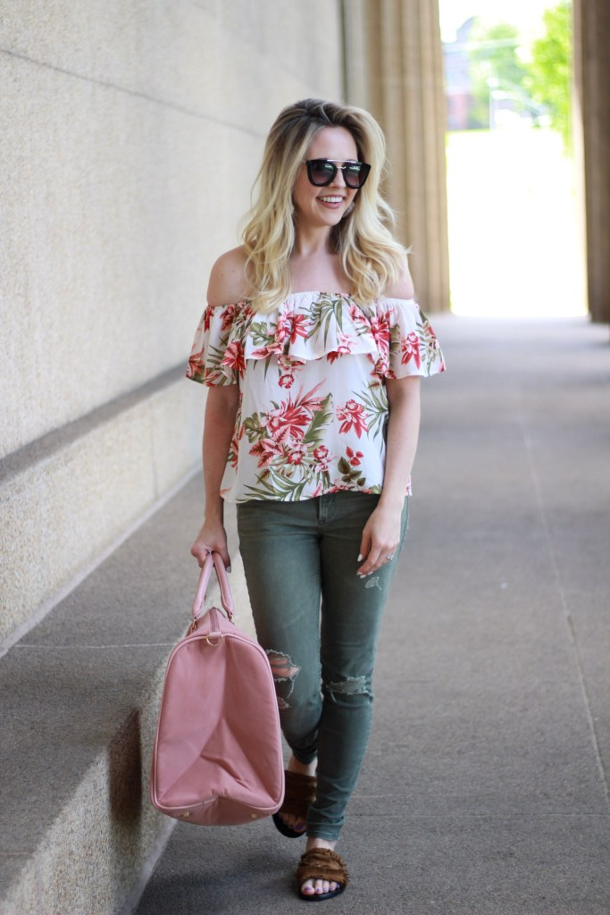 Off the Shoulder Trend. How to style of shoulder tops. What to wear with off shoulder tops. Off shoulder Tops under $50. Style on a budget.