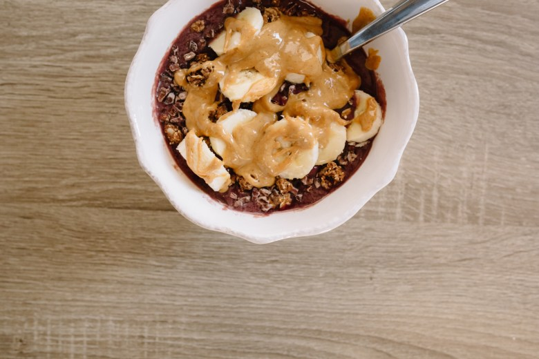 THE BEST HOMEMADE ACAI BOWL    PERFECT FOR BREAKFAST, SNACK OR EVEN DESSERT