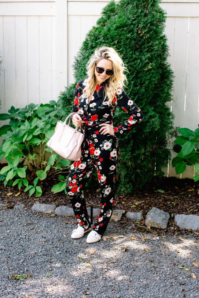 FLORAL JUMPSUIT: WEARING THE RIGHT JUMPSUIT FOR YOUR BODY by Nashville fashion blogger Nashville Wifestyles