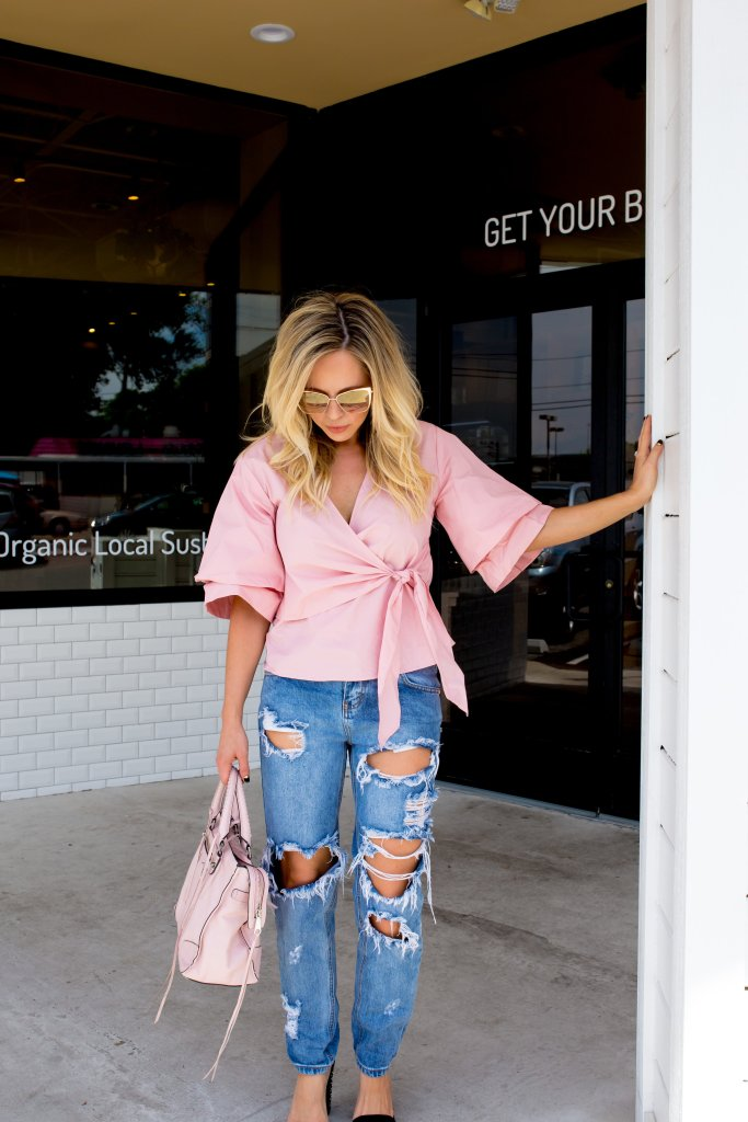 How To Style Blue Distressed Jeans 2 Ways by Nashville fashion blogger Nashville Wifestyles