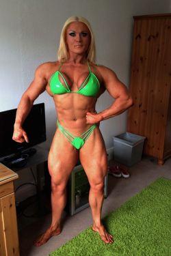 Лиза Кросс