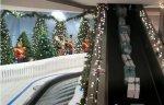 Пассажиры получили в аэропорту рождественские подарки