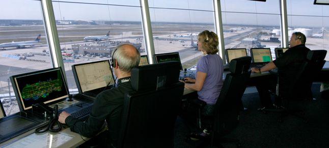 Hava Trafik Kontrolörü Nasıl Olunur ?