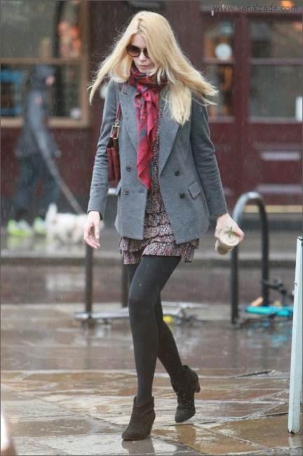 Yağmurlu havada giyinme