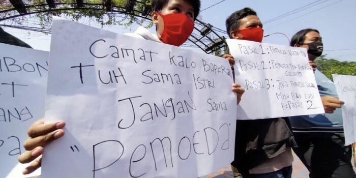 Aksi unjuk rasa KNPI di Kecamatan Batuceper