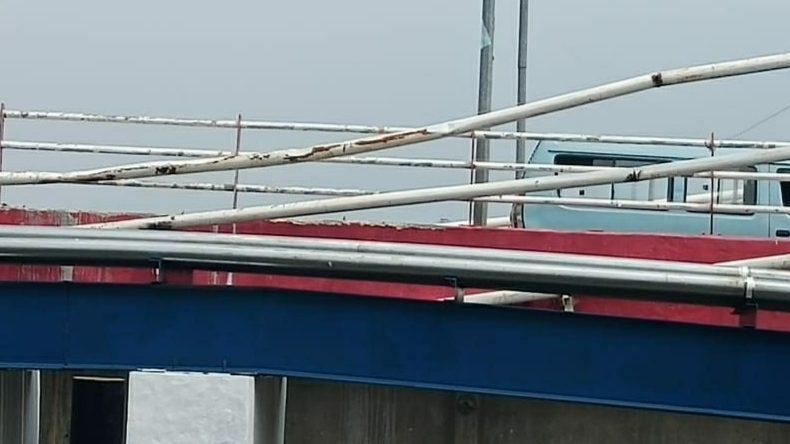 Jembatan penyangga Kabel Pln Tegangan Tinggi