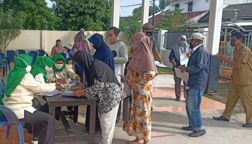 Penyaluran BST Kelurahan Nambo Jaya