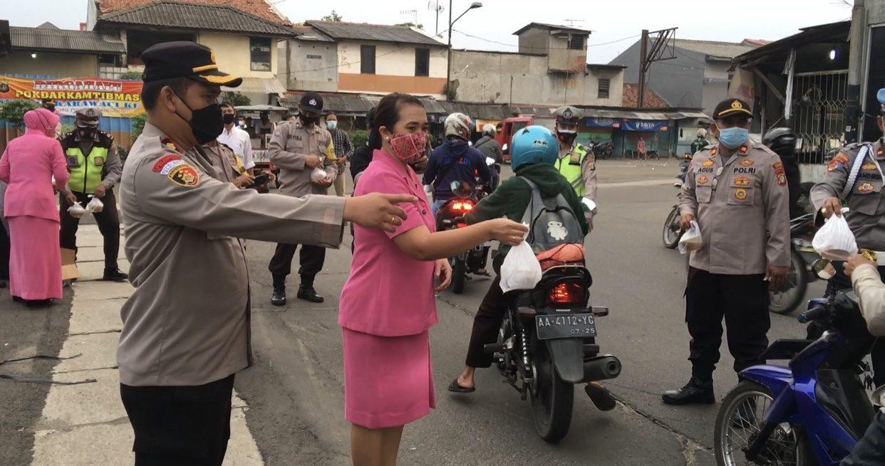 Polisi Berbagi
