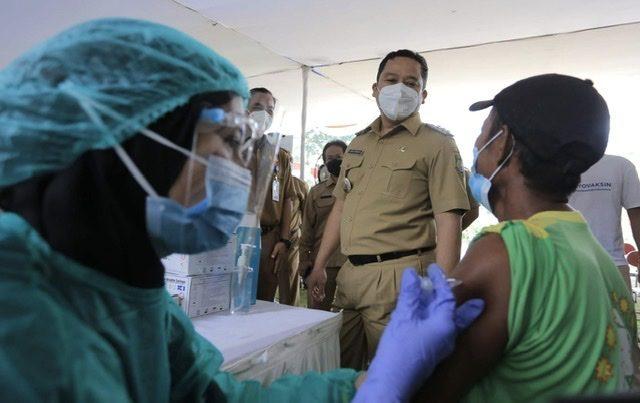 Vaksinasi Untuk Pemulung