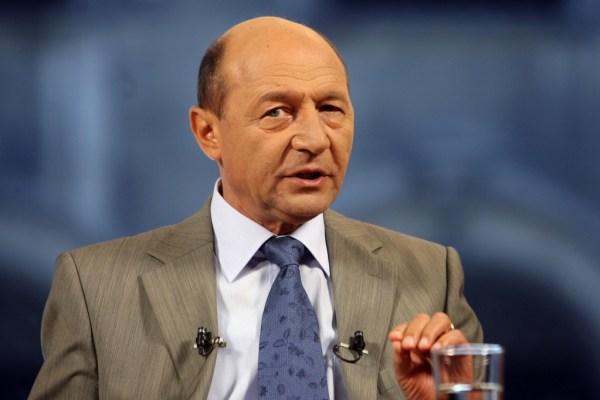 Traian Basescu la Nasul Tv - emisiune general