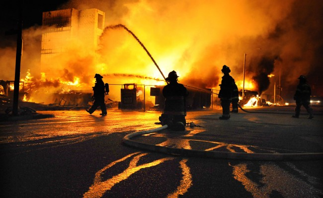 baltimore-riots-night-03-650x400