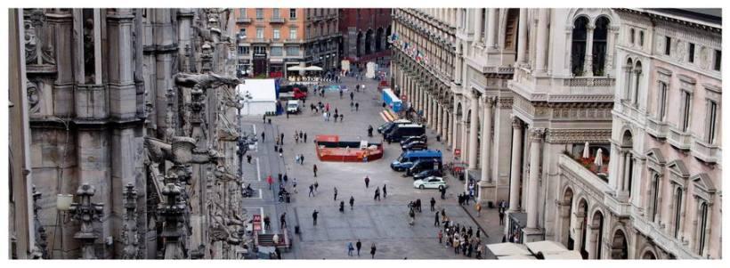Mediolan, Włochy, zatłoczona ulica, Galeria Vittorio Emanuele, katedra Duomo, jak zwiedzać, co zobaczyć, atrakcja turystyczna, podróże,