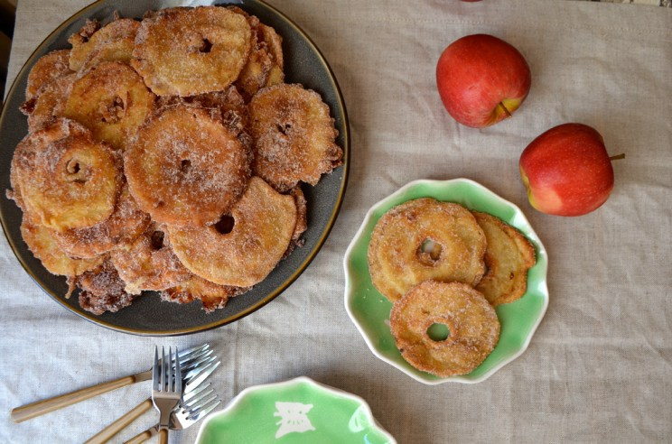 Apple ring fritters, Mama ía