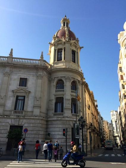 Valencia City Hall, Mama ía