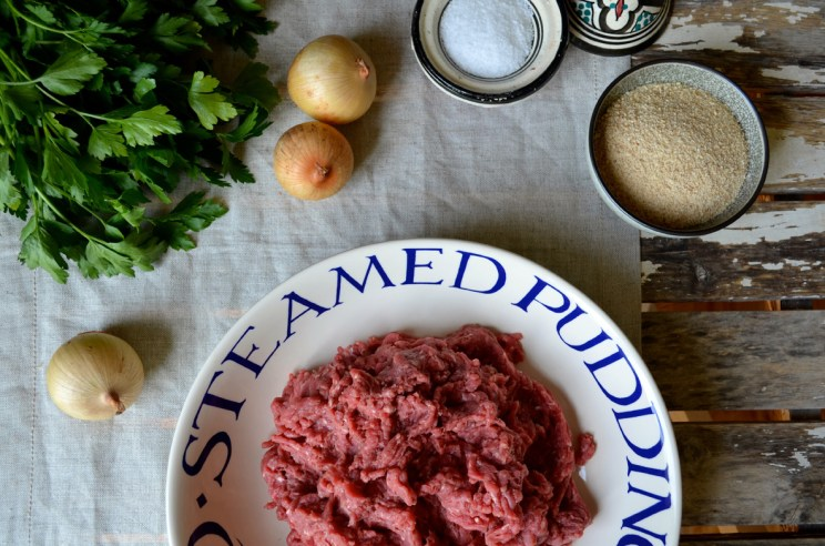 Meatballs in wine sauce, albóndigas en salsa, Mama Ía blog