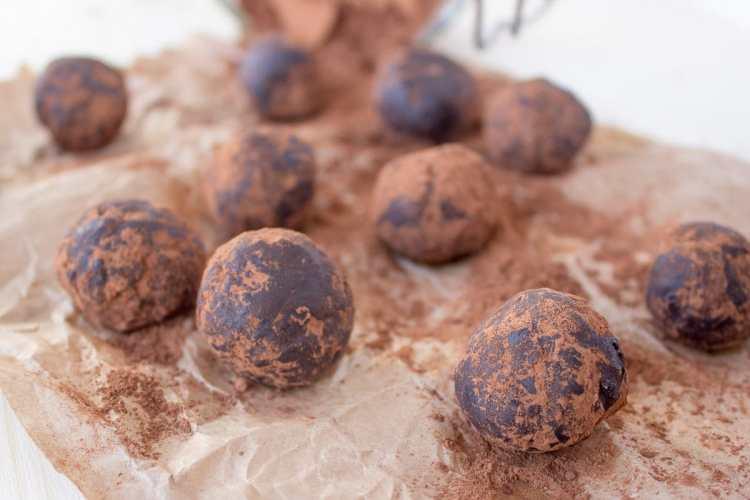 Chocolate Cinnamon Balls