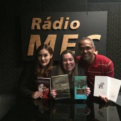 Com a poeta Mariana Basílio e a jornalista Katy Navarro, durante a gravação do programa Conversa com o Autor. Rádio MEC, Rio de Janeiro, 25.05.2018.