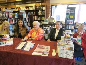 Hanging with (L to R): Lisa de Nikolits, Karen Probert, S. Noel Mckay & her mom!