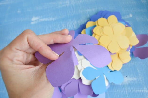 Diy paper flower garland lei tutorial with free printables and bend the flower tab mightylinksfo