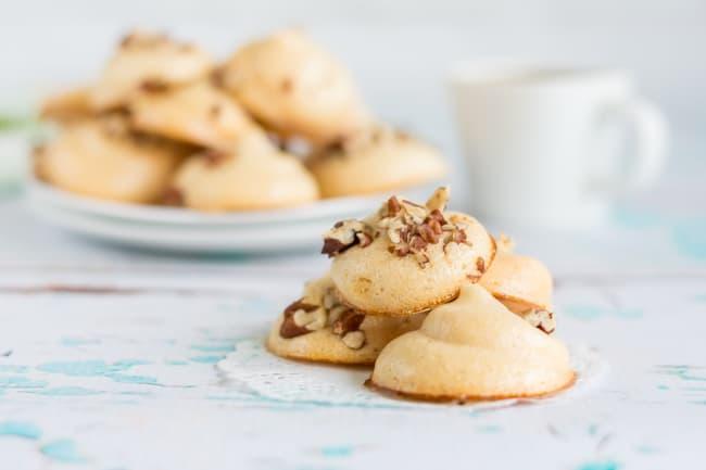 pecan and maple meringue cookies