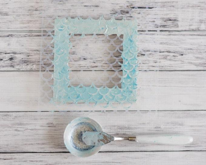 Mermaid Picture Frame Tutorial - DIY Mermaid Scale Frame - The ...