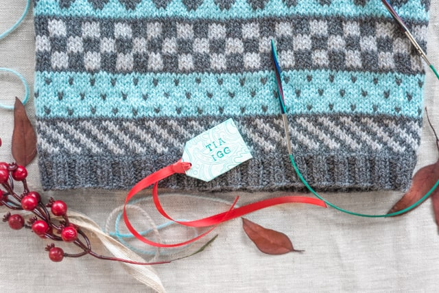 Currently Crafting - Craftsy Fair Isle Colorwork Cowl and Tips for ...