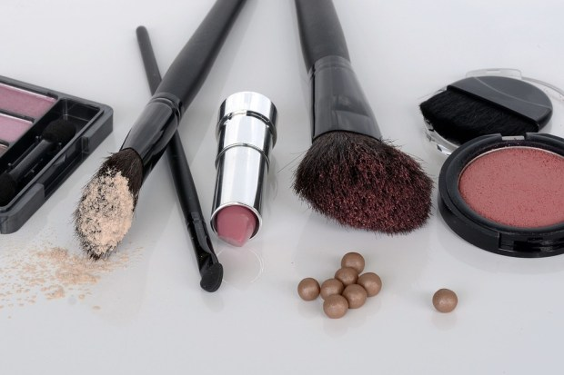 a-to-z-challenge-2018-april-anecdotes-natasha-musing-P-painted-but-not-tainted-makeup