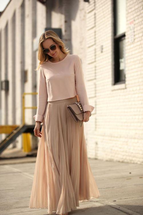 Come portare il cammello e i beige rosati