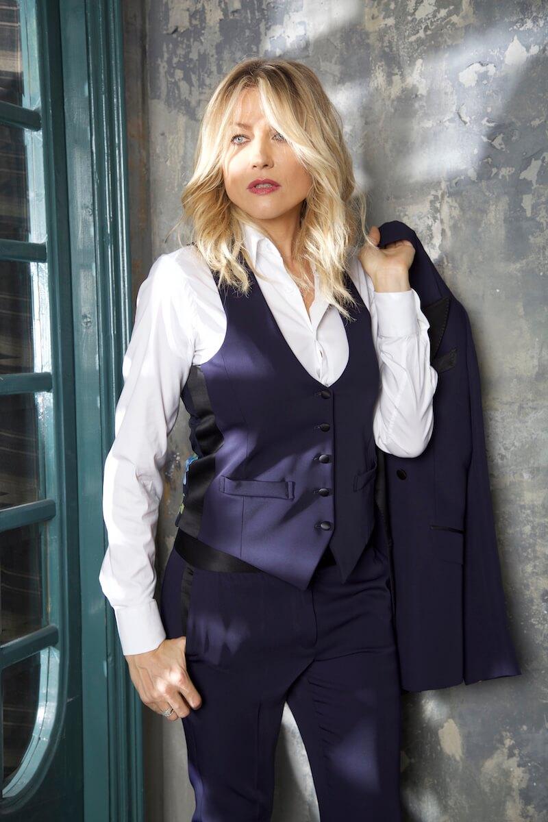 Come indossare lo smoking da donna Natasha Stefanenko