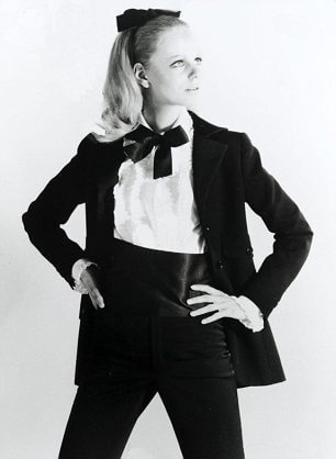 Come indossare lo smoking da donna Yves saint laurent