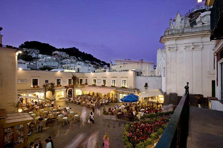 Самые красивые площади Италии, Capri