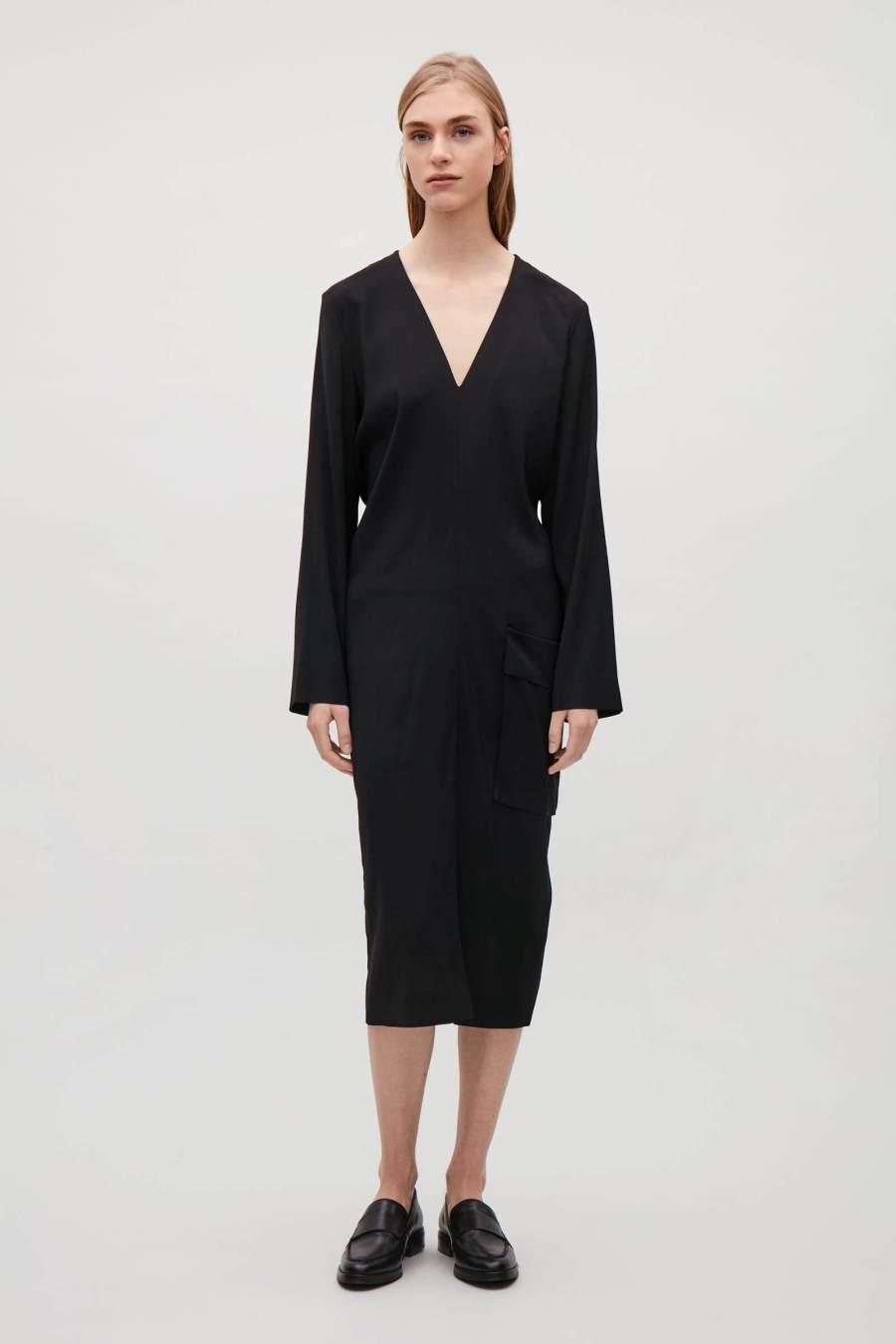 capi d'abbigliamento classici abito nero Cos