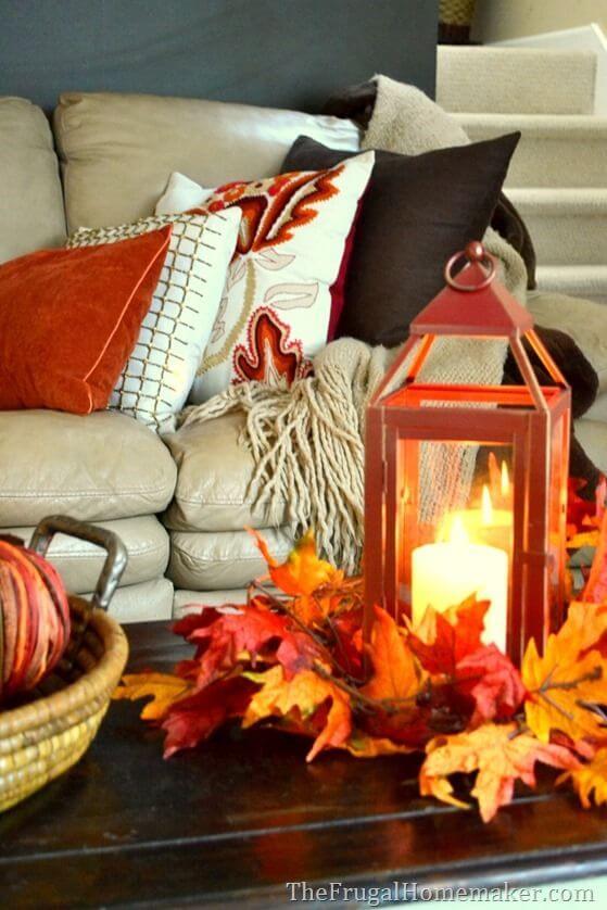 decorare casa con le foglie d'autunno Thefrugalhomemaker