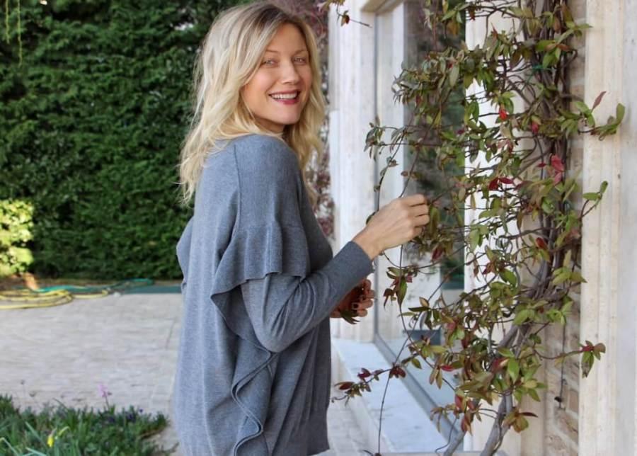 look impeccabile a 40 anni pull Natasha Stefanenko