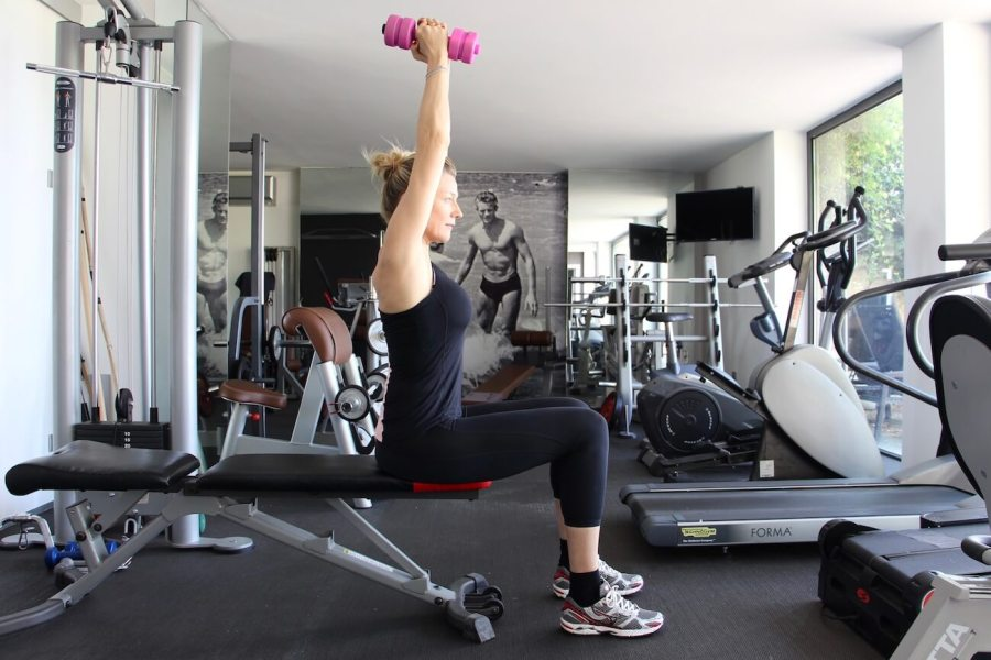 4 esercizi imbattibili per braccia perfette Natasha Stefanenko 3